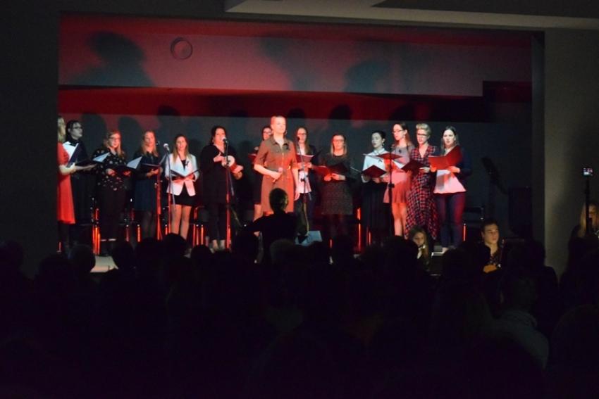 """Stegna.""""Szczodry Wieczór Najpiękniejsze Polskie Kolędy"""" koncert kolęd przyciągnął tłumy."""