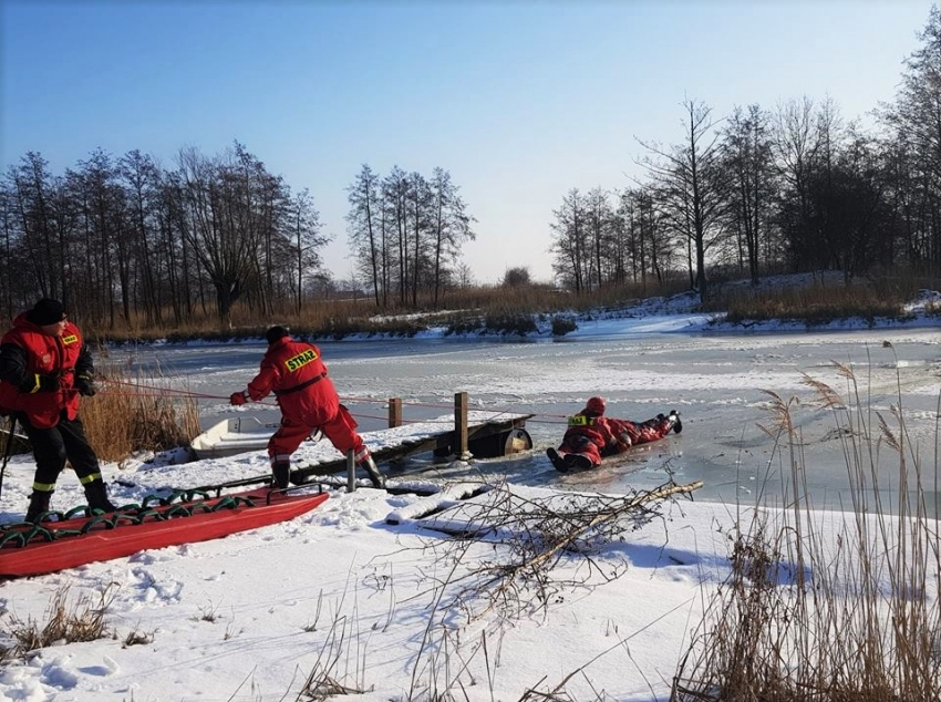 Bezpieczeństwo na lodzie. Bezpieczne ferie. Ćwiczenia na lodzie. Tujsk - 30.01.2019