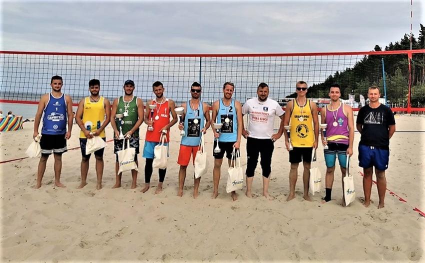 Ostatnie rozgrywki w tym sezonie na sztutowskiej plaży.  Puchar Wójta w siatkówce plażowej pojechał do drużyny Tczew Moje Miasto.