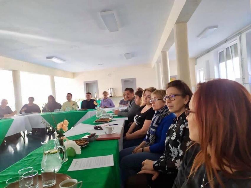 Nowy Dwór Gd. Spotkanie dyrektorów szkół i przedstawicieli sanepidu w sprawie koronawirusa.