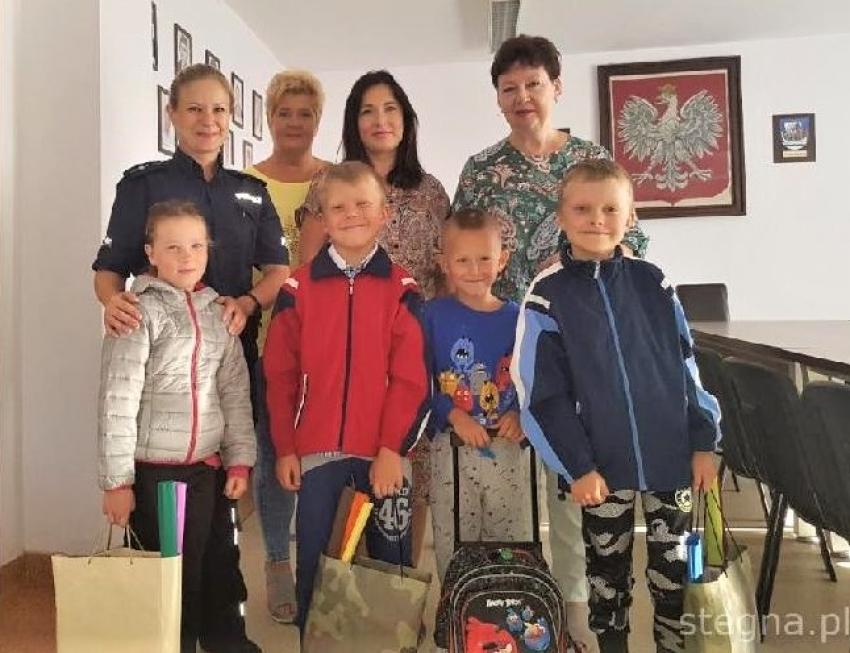 Nowy Dwór Gdański.Wyprawki szkolne wręczone dzieciom