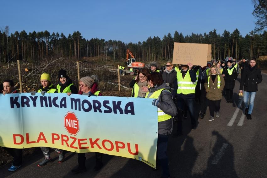 Protest na Mierzei Wiślanej przeciwko wycince drzew.