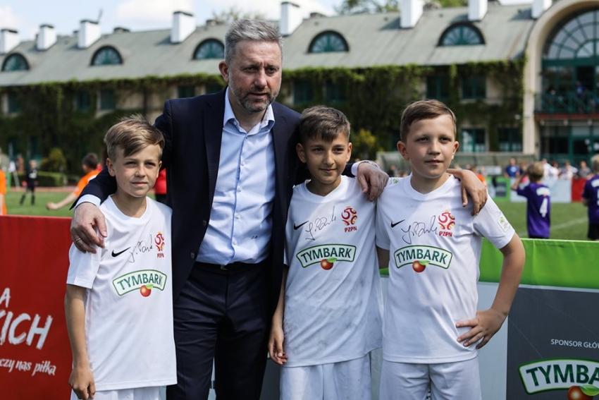 """Wystartowały zapisy do XX edycji Turnieju """"Z Podwórka na Stadion o Puchar Tymbarku""""."""