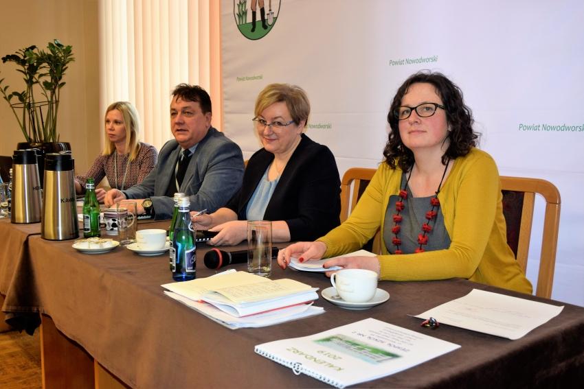 I sesja Rady Powiatu Nowodworskiego.
