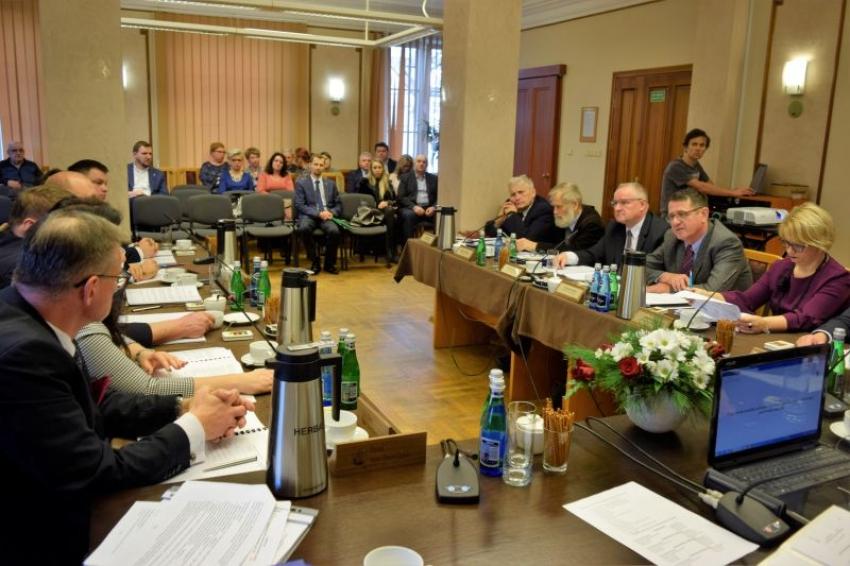 IV Sesja Rady Powiatu Nowodworskiego w piątek 24 maja.