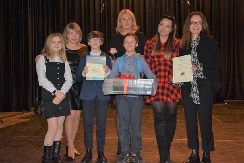 Sukces koła teatralnego ze Szkoły Podstawowej w Jantarze w Wojewódzkim XX Jubileuszowym Gdyńskim Przeglądzie Jasełek.
