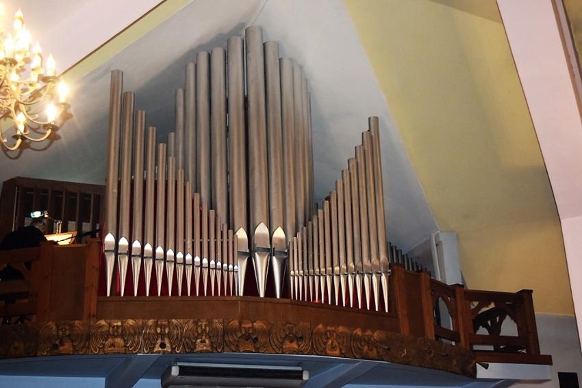 Msza św. z uroczystym poświęceniem nowych organów w nowodworskim kościele