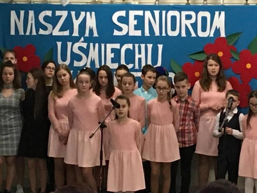 W Zespole Szkół w Tujsku 25 stycznia uroczyście świętowano Dzień Seniora.