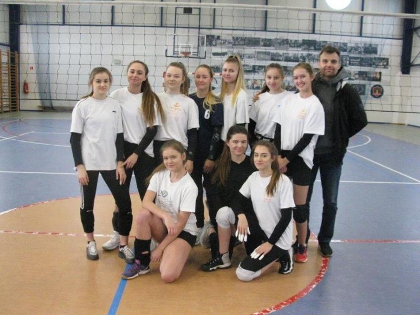 Nowy Dwór Gdański. W sobotę rozpoczęły się rozgrywki XVI Miejskiej Ligi Piłki Siatkowej Kobiet